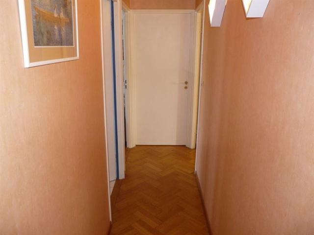 Et un couloir original de plus et un for Carrelage mural hall d entree