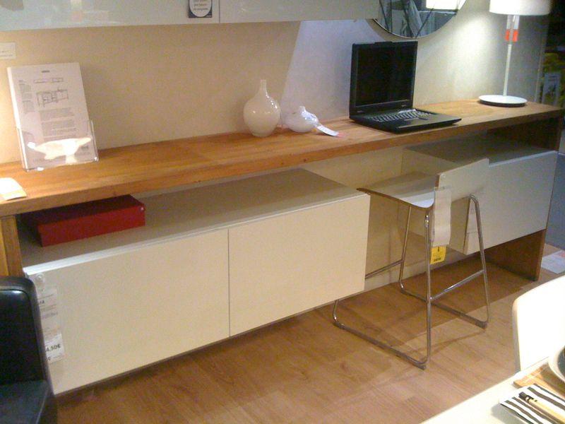 Am nager un mini coin bureau dans petit salon - Comment fixer un plan de travail sans meuble ...