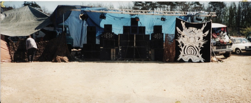 teknival bourges off 1999 corquoy. Black Bedroom Furniture Sets. Home Design Ideas