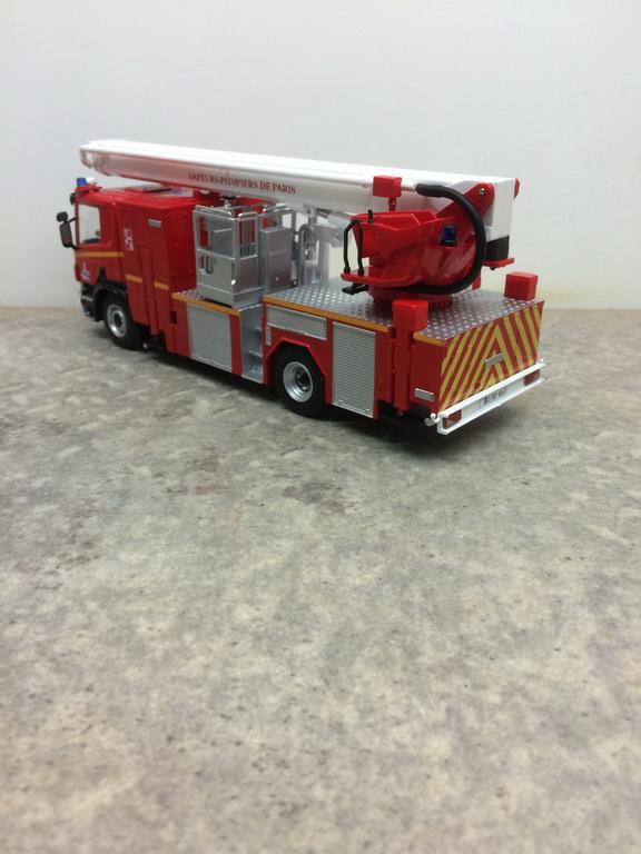 1//43 norev figura pompier bombero pa 1100