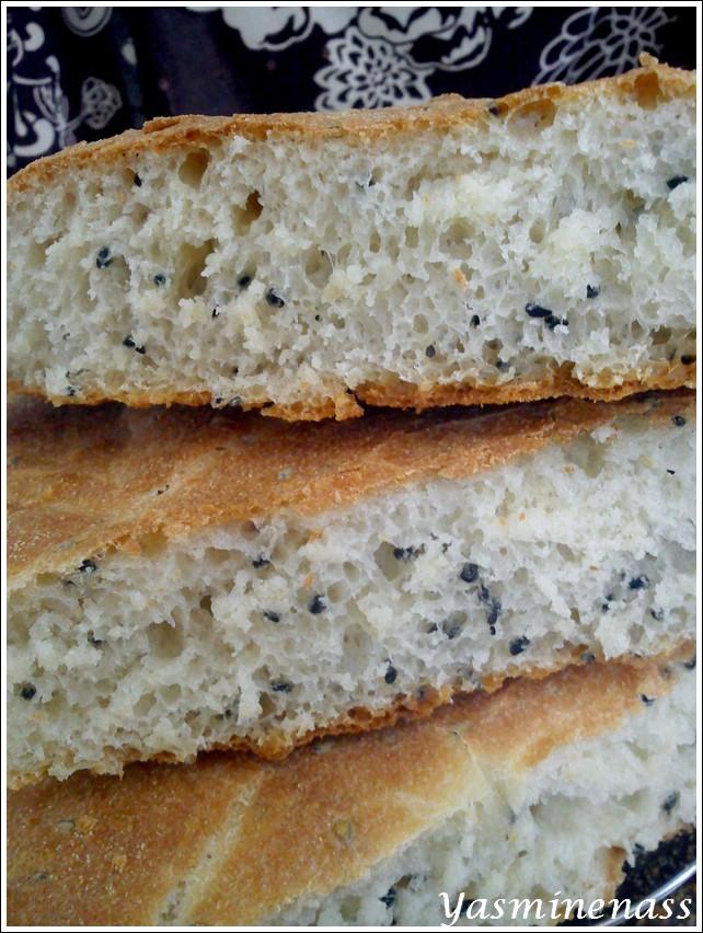 pain l 39 huile d 39 olive et aux graines de nigelle a l 39 or e des douceurs. Black Bedroom Furniture Sets. Home Design Ideas
