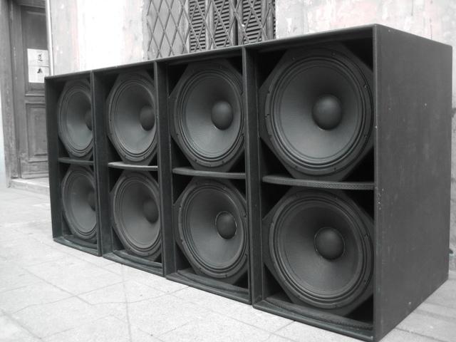 a vendre system complet martin audio blackline 12800 dollards. Black Bedroom Furniture Sets. Home Design Ideas