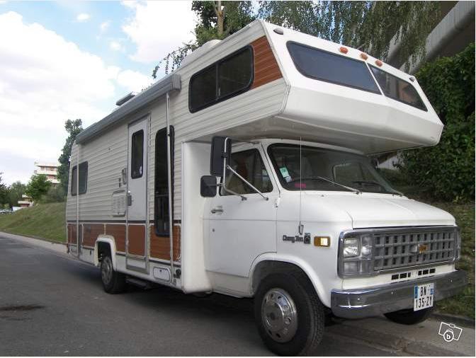 camping car americain. Black Bedroom Furniture Sets. Home Design Ideas