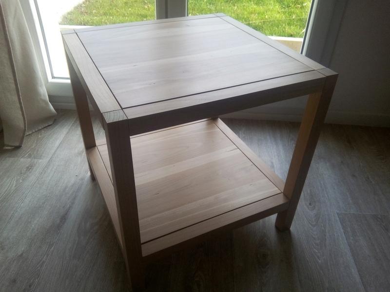 une table support d 39 imprimante. Black Bedroom Furniture Sets. Home Design Ideas