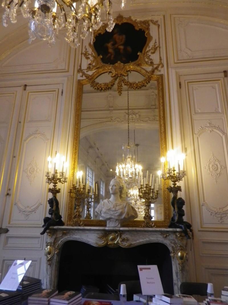 Histoire de lire salon du livre d 39 histoire de versailles for Salon de versailles 2016